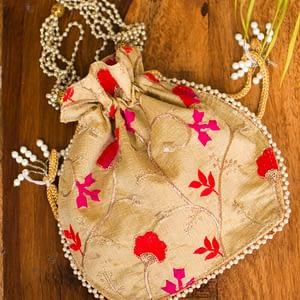 Elite Floral Potli Bag - IL39bb